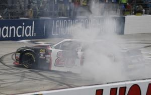 Bell sets Xfinity rookie record at Dover with 6th victory