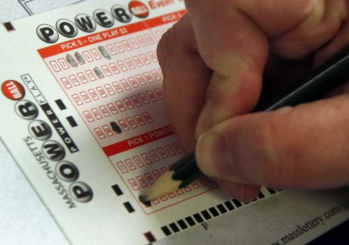 Tonight's Powerball jackpot worth $550M
