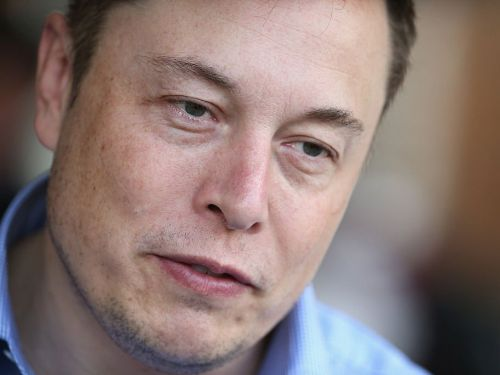 Elon Musk says he works 120 hours a week and isn't searching for new execs, and it looks like he's falling into a common management trap