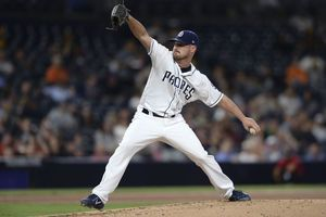 Wood helps lift Padres over D'backs, 6-2