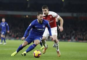 Chelsea coach Sarri questions Hazard's leadership qualities
