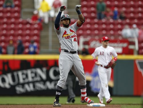 Cardinals sweep 4-game series from Reds with 3-2 victory
