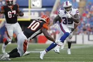 Bills' LeSean McCoy to miss practice with hamstring injury