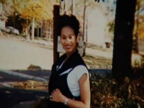 Ex-NFL player Rae Carruth apologizes for death of mother of his son, makes custody bid