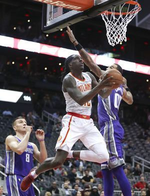 Hawks get their most lopsided win ever, 126-80 over Kings