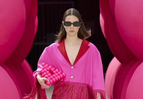 VICTORIA / TOMAS Returns to Physical Shows for Paris Fashion Week