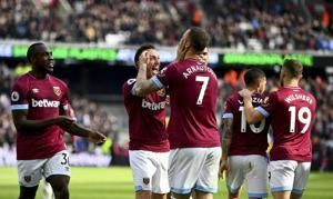 Arnautovic scores first goals since January in West Ham win