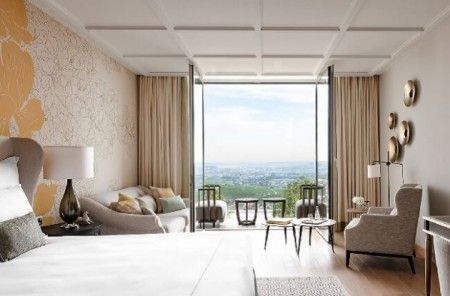Champagne welcomes new luxury hotel