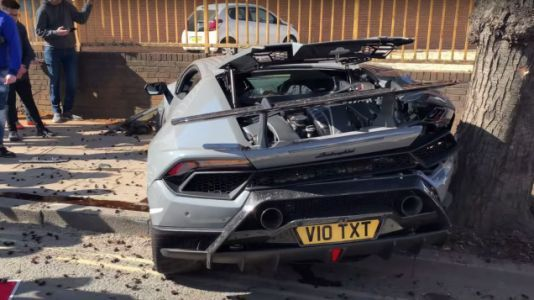 This Lamborghini Crash Everyone's Talking About Is Utterly Baffling