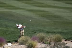 Rickie Fowler returns to big stage and takes lead in Vegas