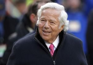 Patriots owner Robert Kraft accused of soliciting prostitute
