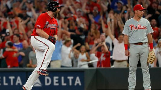 MLB wrap: Braves stun Phillies with rally, walk-off to win 8th straight