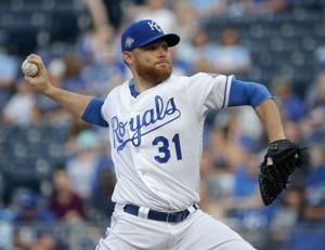 Venters gets first win since 2012, Rays beat Royals
