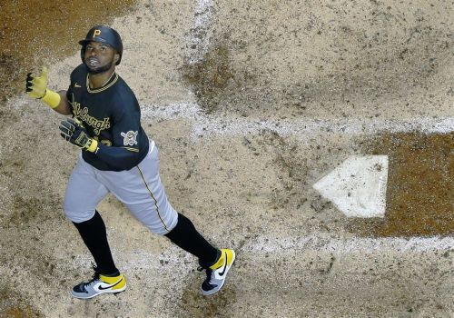 Behind JT Brubaker and others, Pirates roll to win in Milwaukee
