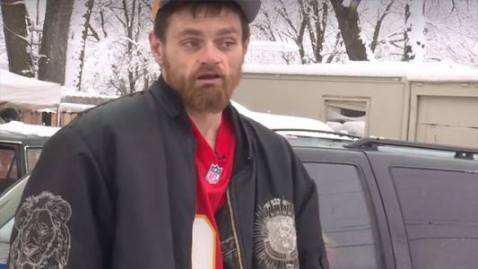 Homeless man helps NFL player's car out of snow, gets free tickets to game