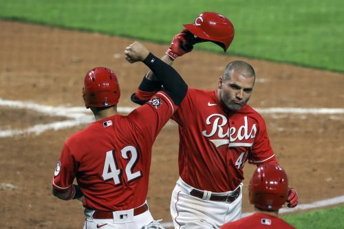 Votto, Castellanos homer in Reds' 10-3 rout of Indians
