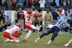 Titans reach bye at .500 and able to finish games at home