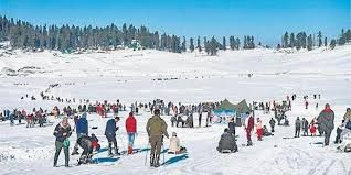 Tourist footfalls return to Valley with Gulmarg hotels booked tillApril end
