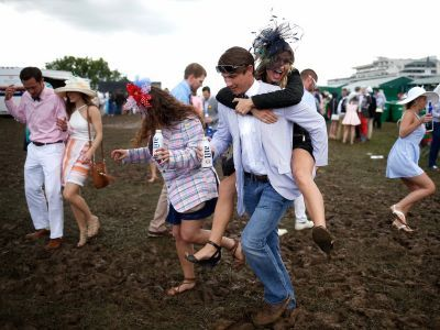 20 photos of people having the time of their lives at the Kentucky Derby
