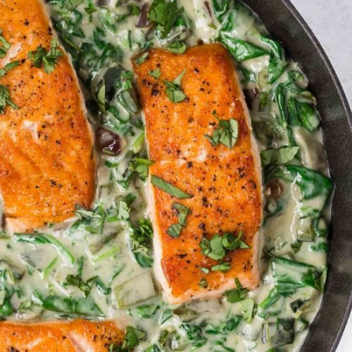 Salmon with Spinach Cream Sauce