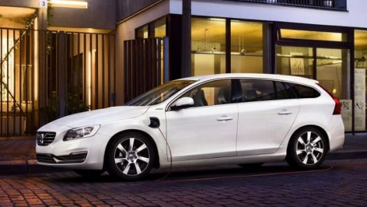 People in the UK Aren't Plugging In Their Plug-In Hybrids: Report