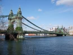West London's Hammersmith Bridge closed for safety concerns after a crack in infrastructure