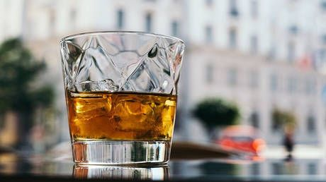 No hard stuff: London Metal Exchange bans traders from boozing during work hours