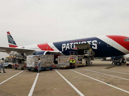 Robert Kraft uses Patriots plane to get 1.2 million masks from China for health care workers