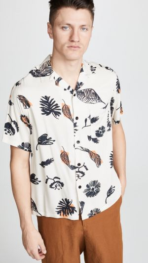 5 Short-Sleeve Shirts to Welcome Spring