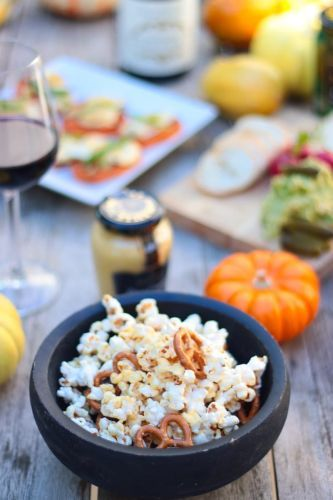 Honey Mustard Pretzel Popcorn