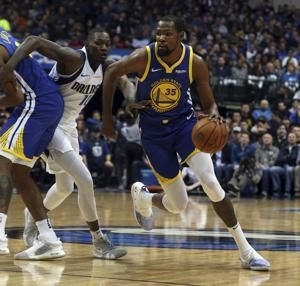 Curry scores 48, hits 11 3s as Warriors beat Mavs 119-114