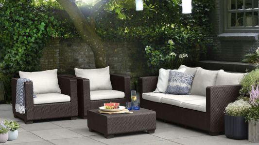 Actually Enjoy a Backyard Party With This Outdoor Furniture Sale, Today Only