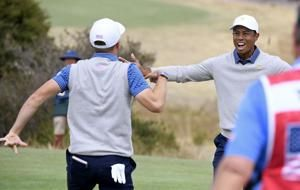 Americans have momentum, just not the lead in Presidents Cup