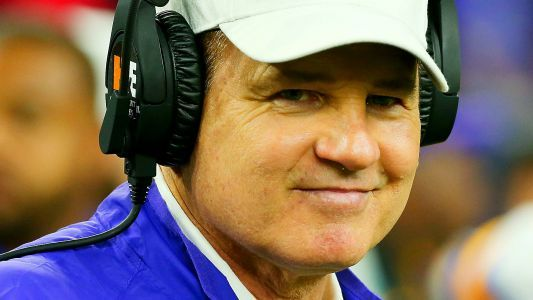 Les Miles to be announced as Kansas football coach, per reports