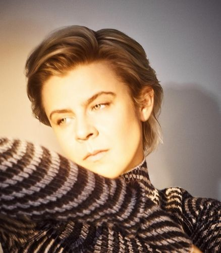 Watch Robyn's 'Send To Robin Immediately' video, immediately