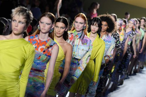 Versace Served up Clashing Prints and Early-Aughts Clubwear for Spring 2019