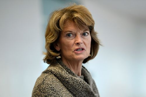 Trump vows to campaign against Murkowski after she backs Mattis