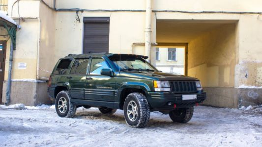 The Jeep Grand Cherokee You Never Knew: Inside Russia's Wild '90s and the SUV That Ruled Its Roads