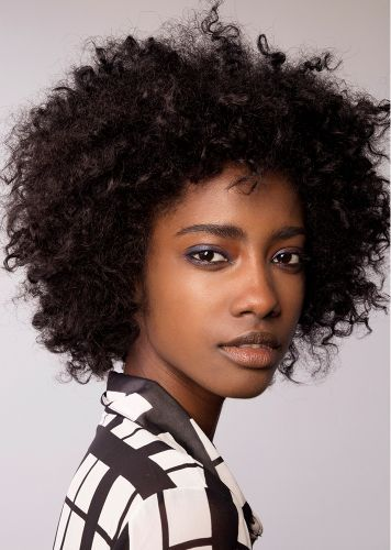 The Expert-Approved Way to Use Your Hair Diffuser for Camera-Ready Curls