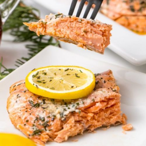 Grilled salmon with maple syrup