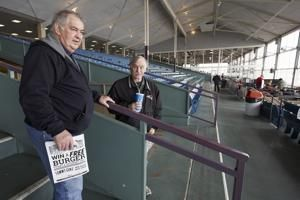 Virus doesn't deter horse racing at US tracks, but few fans