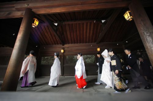 12 surprising differences between Japanese and American weddings
