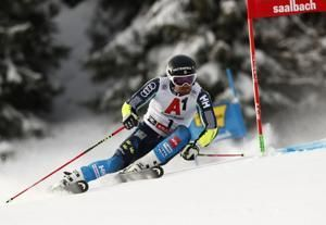 Olsson holds slim lead in World Cup GS after 1st run