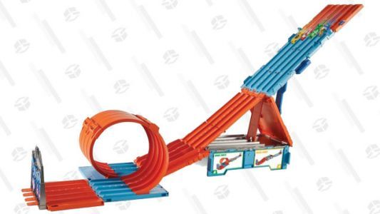 Hot Wheels and This Discounted Track Building Set Go Together Like Cocaine and Waffles