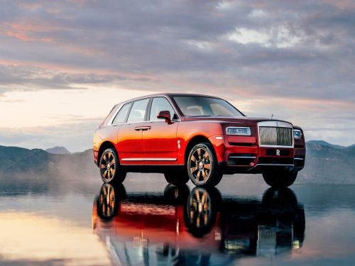 The $325,0000 Rolls-Royce Cullinan has arrived and it's the ultimate luxury SUV
