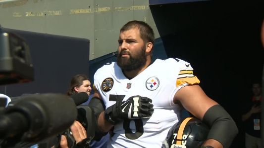 Alejandro Villanueva's jersey top-seller day after he stands outside Steelers tunnel for National Anthem