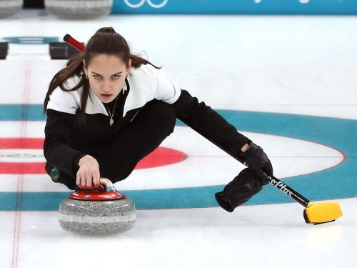 The stunning Russian curling athlete who captivated the internet fell on the ice - and then won bronze