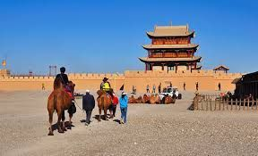 China welcomes 502 million tourists during first four days of National Day holiday