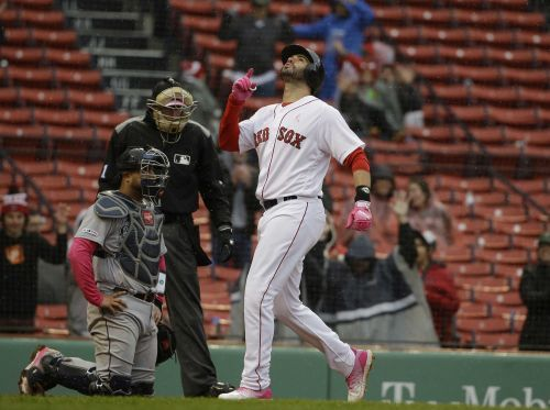 Red Sox offense explodes again as Boston sweeps Seattle