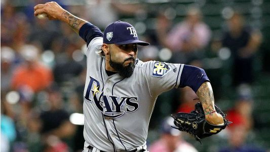 MLB hot stove: Marlins sign reliever Sergio Romo, report says